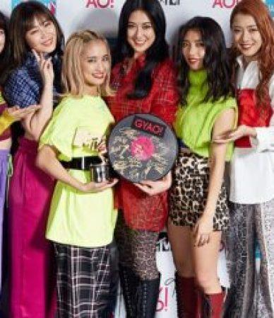 1200px-E-girls_@_VMAJ_2018-520x245